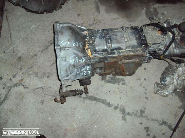 Caixa de Velocidades MITSUBISHI L200  2.5 Tdi de 2005 Ref: MR980842