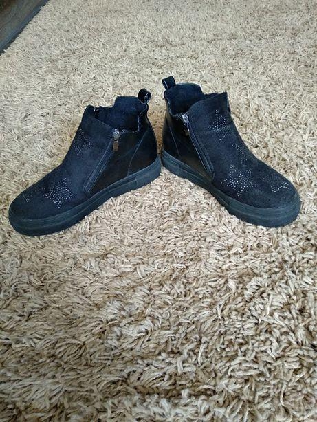 Осіннє взуття, черевики, весняне взуття