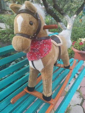 Продам детскую качалку лошадку