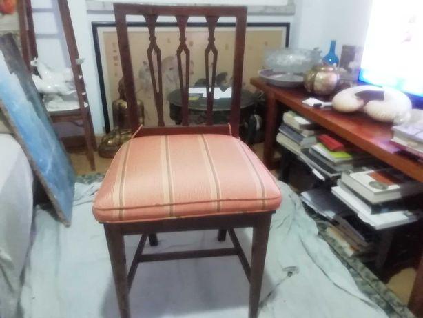 10 cadeiras em madeira e palhinha