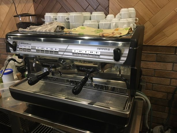 Кофемашина Nuova Simonelli Appia 2 GR V