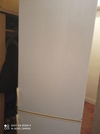 Продам холодильник Snaige Class A