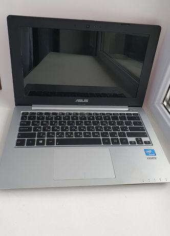 Ноутбук ASUS X201E