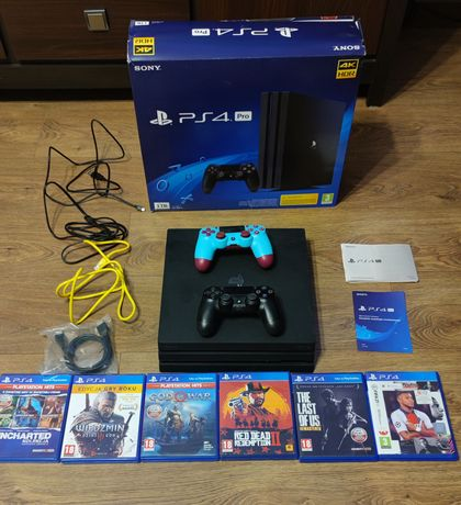 Play Station 4 PRO 1TB 2 pady 6 gier PS4