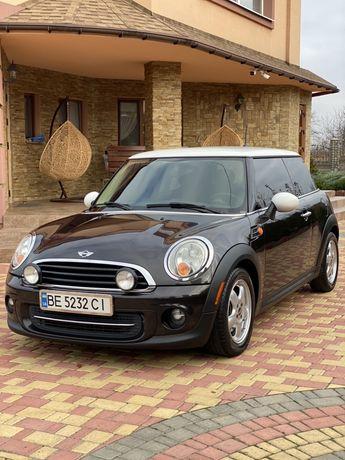 Продам Mini Cooper 2013 год 1.6 Turbo