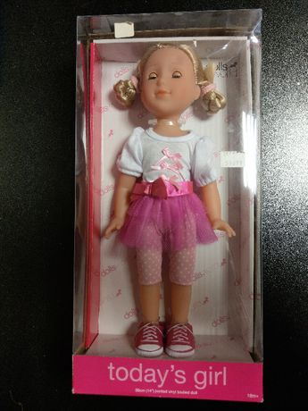 Lalka Dolls World 36cm w modnym stroju