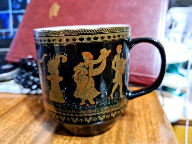 чашка фарфоровая красивая в отличном состоянии