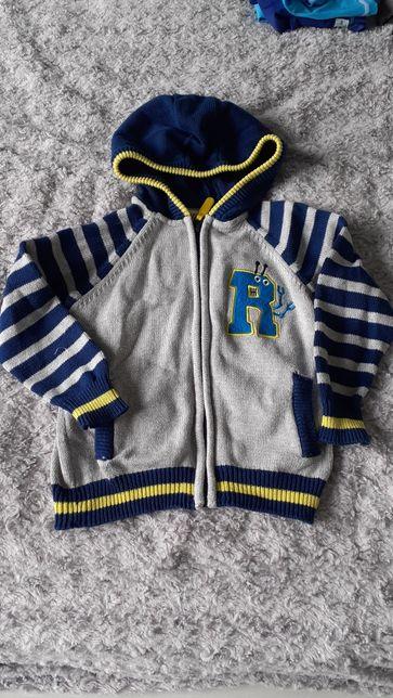 Rozpinany wiosenny sweterek sweter z kapturem chłopięcy bluza r. 104