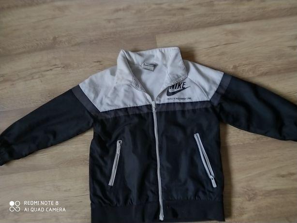 bluza kurtka wiatrówka Nike rozmiar 110-115