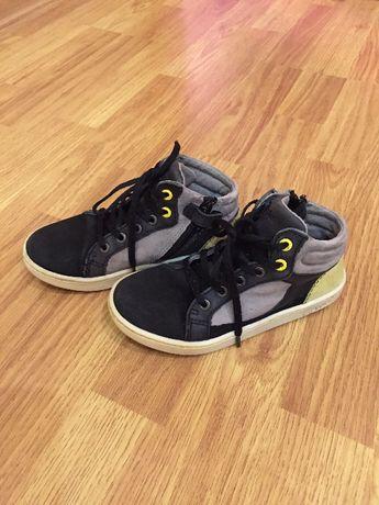 Фирменные кожаные ботиночки на мальчика KicKers.