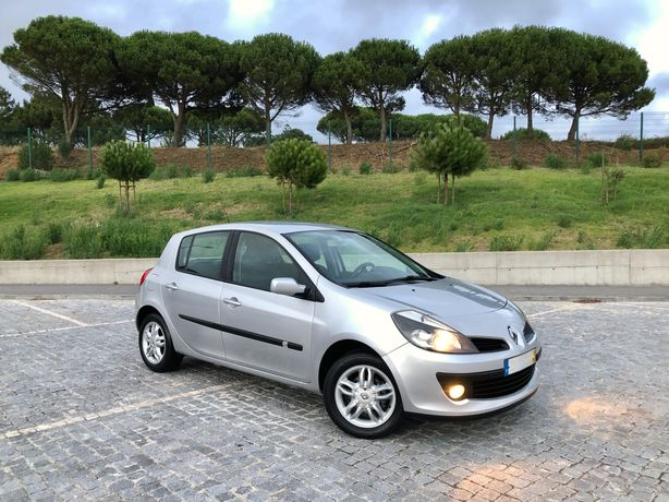 Renault Clio 1.2 Dynamique S - Muito Estimado