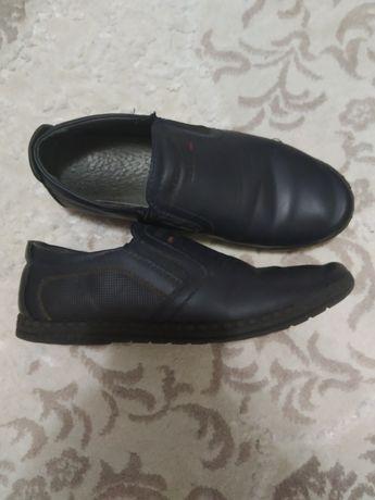 Туфли, темно синего цвета