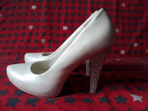 Туфли Calza Donna новые