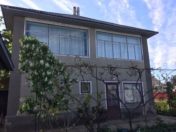 Продам будинок два поверхи Нова Ушиця.