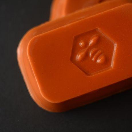 Воск пчелиный оранжевый