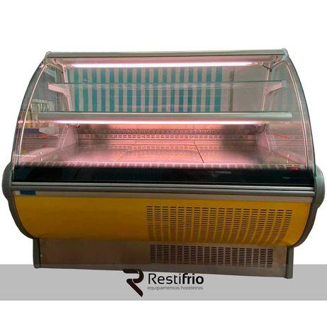 Vitrine com refrigeração ventilada