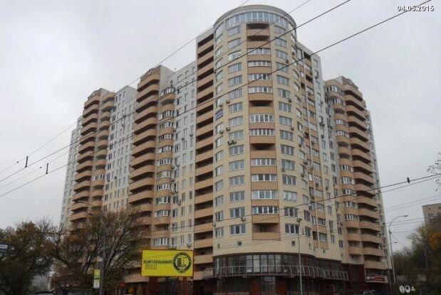 Лобановского 150 продам 5-комнатную квартиру или две 2-комнатные