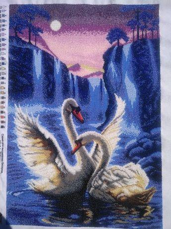 Картина бісером Лебеді