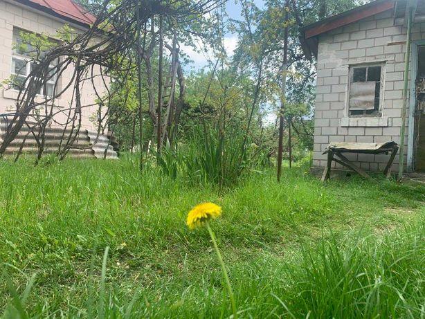 Участок 26 соток с домиком 52 м в центре Боярки, электричка 5 минут!