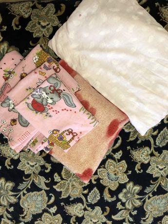 Комплект постельного белья одеяло подушка для ребенка