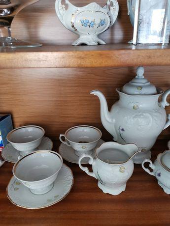 Zestaw kawowy porcelanowy