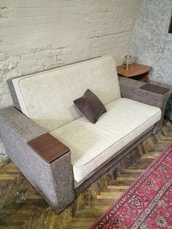 Продам диван двухспальный роскладной. Срочно!!! Самовывоз из Киева, р
