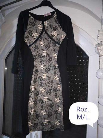 Czarna sukienka M z ozdobnym przodem