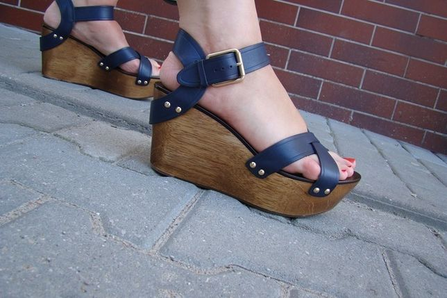 Juicy Couture sandały koturny granatowe nowe 39