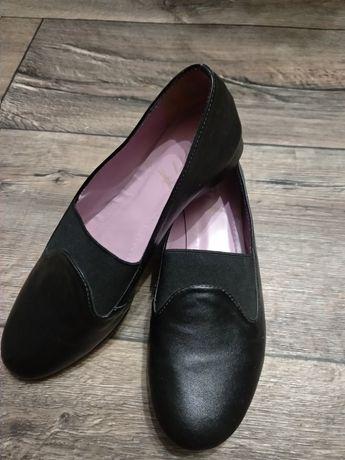 Туфли чешки для танцев