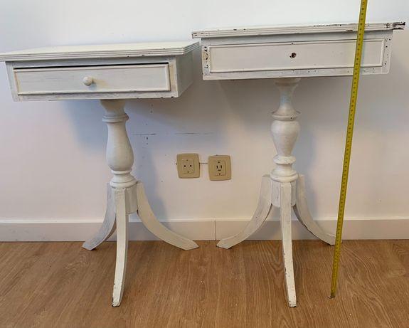 Mesa de cabeceira - Mesa de apoio Branca - para restauro