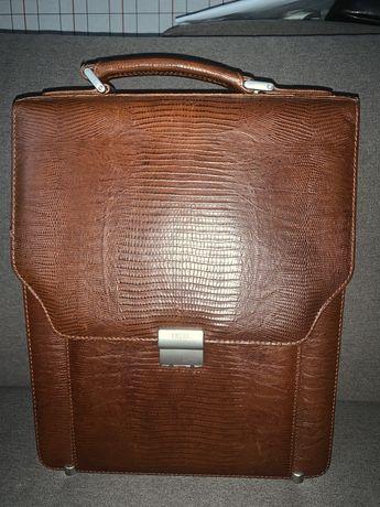 Портфель кожаный Petek