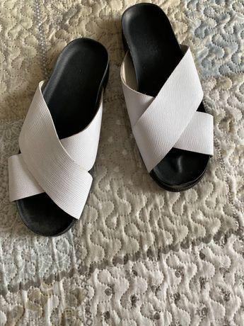 Шкіряні шльопанці взуття літнє