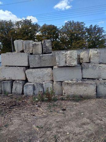 Продам строительные и фундаментные блоки