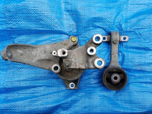 Honda Civic viii 8 ufo poduszka lapa silnika lewa strona rozrząd