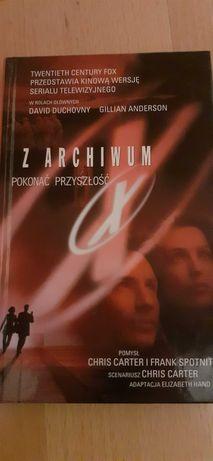 """""""Z archiwum X. Pokonać przyszłość"""" książka"""