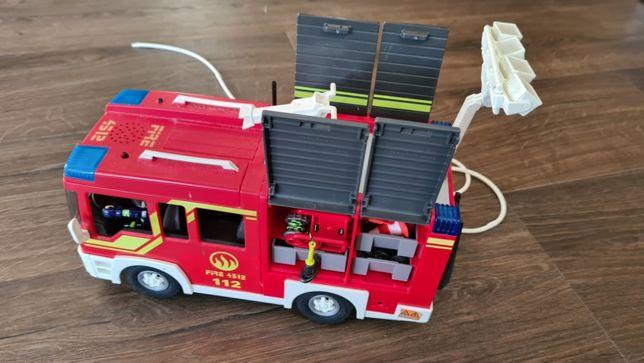 Playmobil wóz strażacki City Action (stand dobry, prawie kompletny)