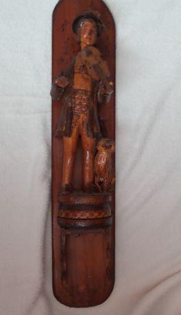 Drewniana rzeźbiona figura GÓRAL na kalendarz