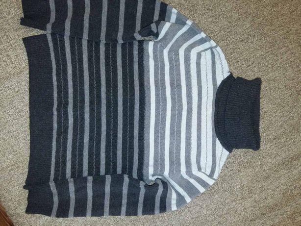 Теплый свитер и жилетка на мальчика на 5 лет