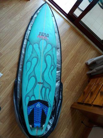 """Prancha Surf 5'11"""" em bom estado"""