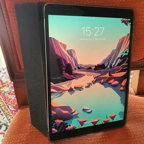 """iPad Pro 10.5"""" 2017 WiFi 256GB com Apple Pencil e vários acessórios"""