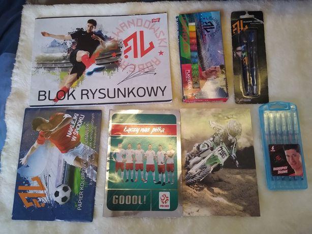 Lewandowski zestaw przyborów szkolnych (11)