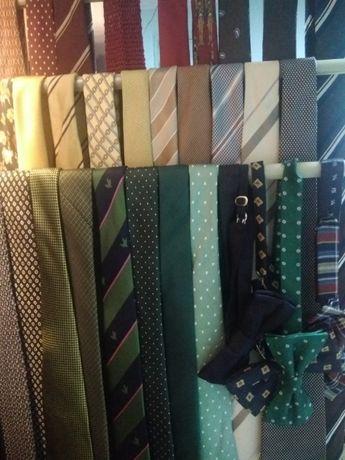 Mais de 50 gravatas variadas Dielmar, Sacoor, Pedro del Hierro..