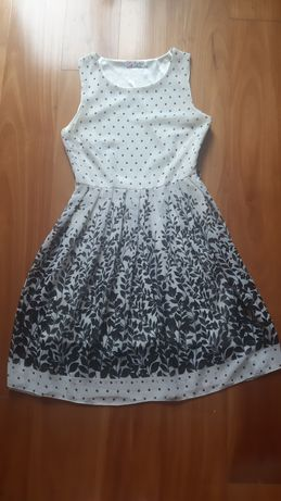 Vestido elegante branco e preto