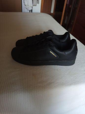 Tênis Adidas 45 novos