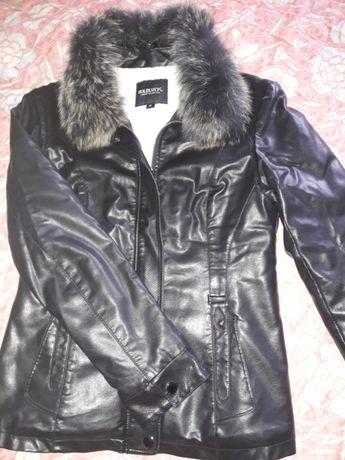 Утеплена курточка