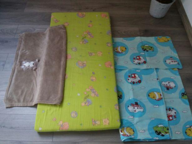 Zestaw materac do łóżeczka,  pościel i kocyk dziecięcy