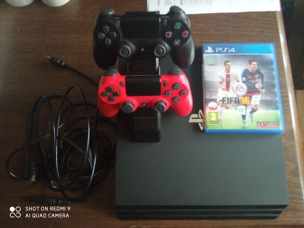 PlayStation 4 pro 7216b dwa pady ładowarka gra