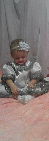 Продам праздничный костюм Снежинки на годик!