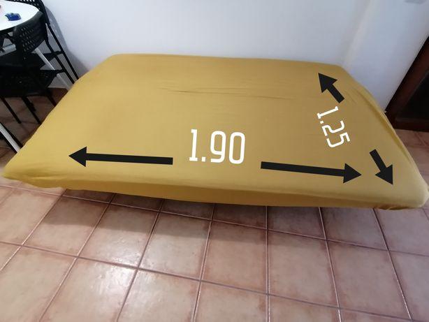 Sofá cama em bom estado