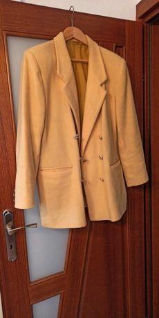 Musztardowy żakiet płaszcz